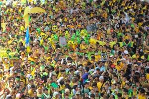 Crowds during Bersih 3.0 rally at Masjid Jamek.